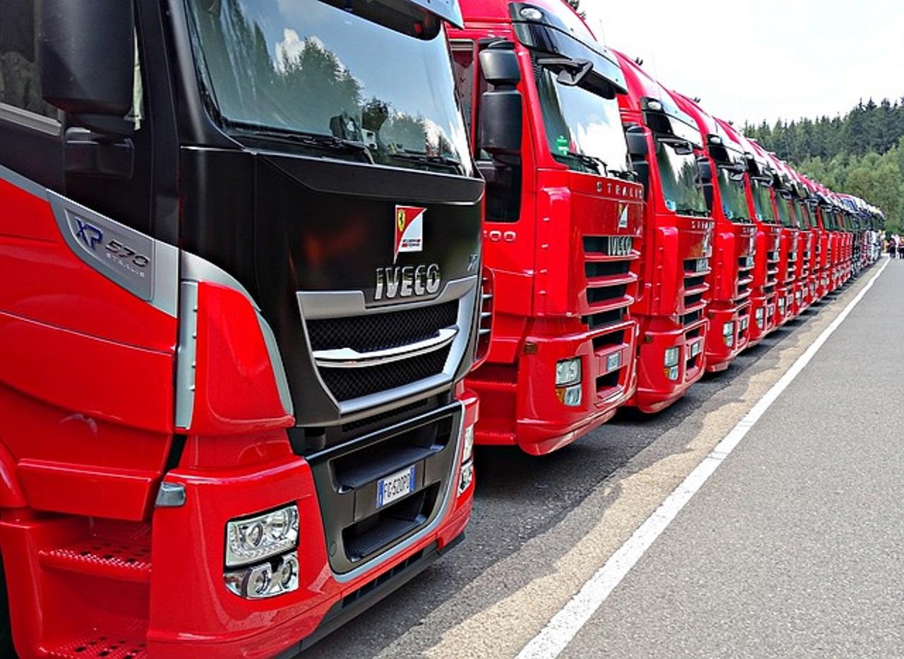 Ελαστικά φορτηγών και λεωφορείων